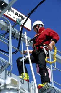 Formation utilisation harnais antichute s curit - Formation travail en hauteur port du harnais ...